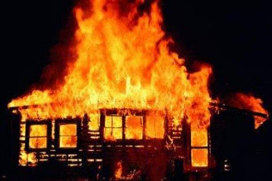 В Кемерове сгорело кафе на улице Заречной
