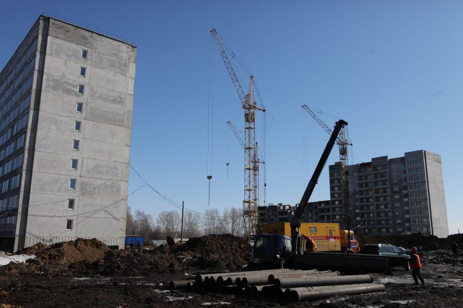 Ввод жилья в РФ упал на16%