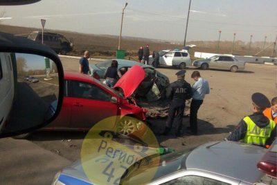 Фото: четыре человека пострадали в ДТП на кузбасской трассе