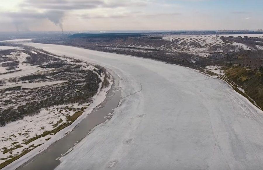 Втекущем году синоптики называют ледоход наТоми аномальным