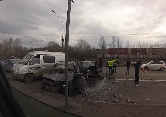 ГИБДД: в массовом ДТП в Новокузнецке пострадали четыре человека