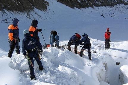 ВРеспублике Алтай турист провалился врасщелину