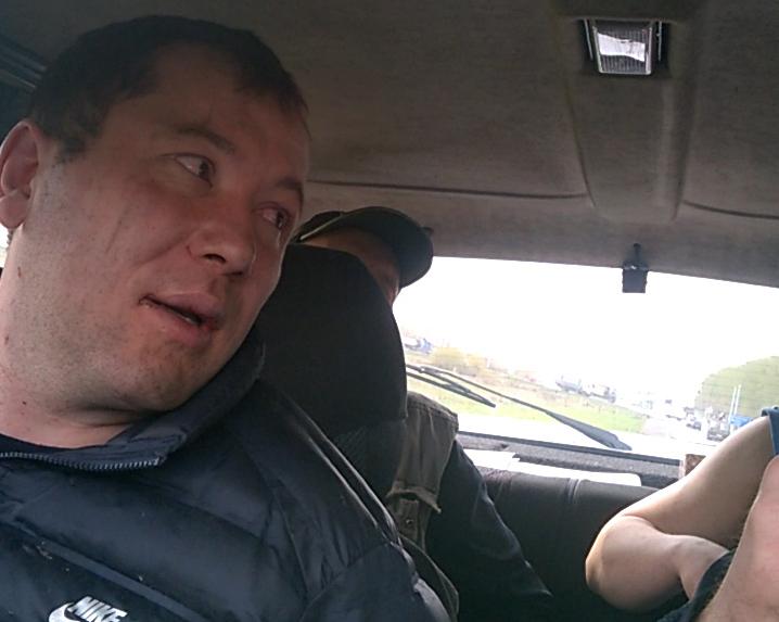 Видео: в Кузбассе сотрудники ГИБДД стреляли по колёсам ВАЗа для задержания водителя
