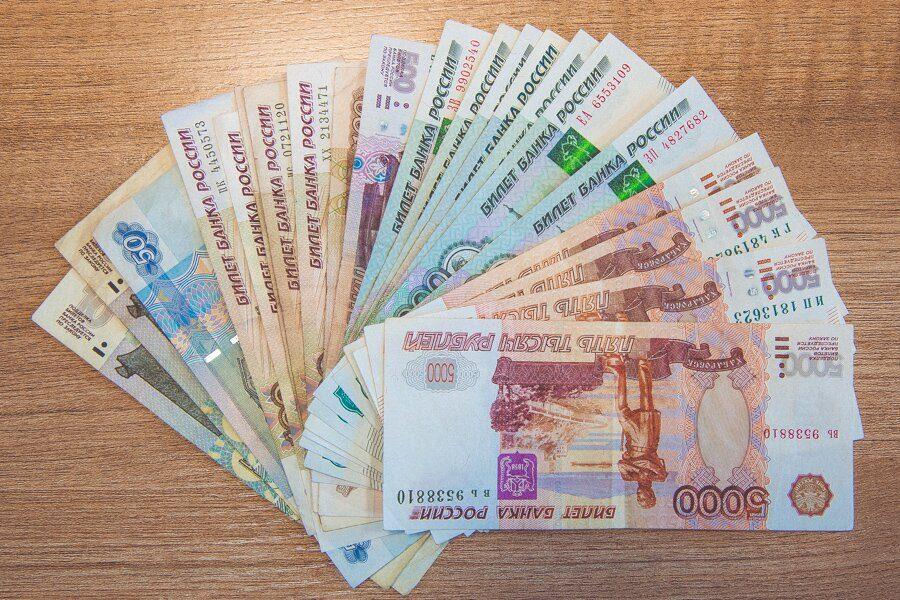В марте в Кузбассе средняя зарплата превысила 31 700 рублей