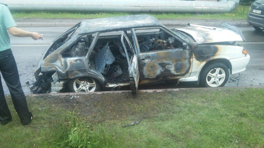 Гражданин  города Белово поджег собственный  автомобиль, чтобы неотдавать его приставам