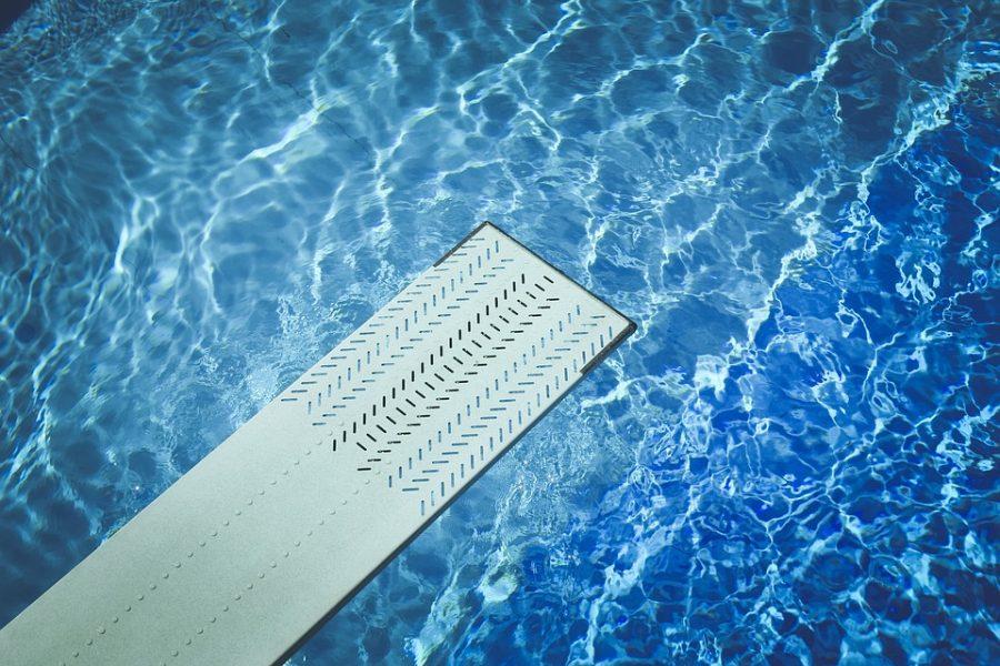 Источник: женщин и детей ударило током в бассейне спорткомплекса «Северный»