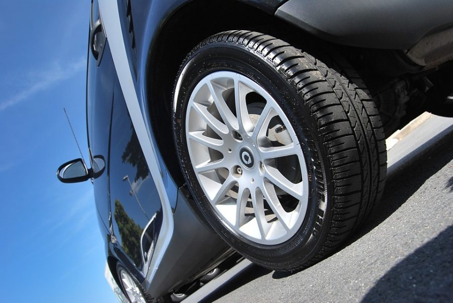 В Кузбассе два девятилетних ребёнка попали под колёса авто