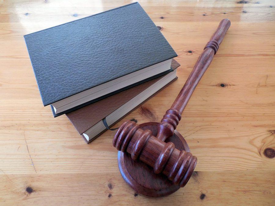 Двух кузбассовцев будут судить за убийство родителей одного из них