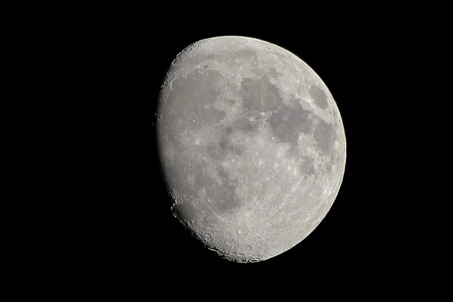 Уфологи назвали Луну базой инопланетян По мнению специалистов естественный спутник Земли полый внутри