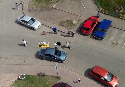 На улице в Заводском районе Кемерова провалился асфальт