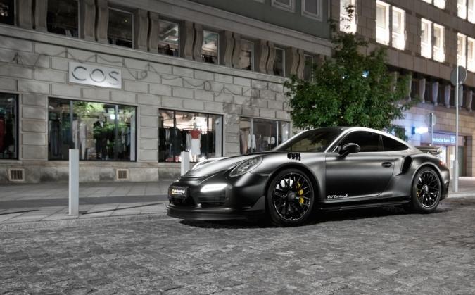 В Польше показали обновлённый спорткар Porsche 911 Turbo S