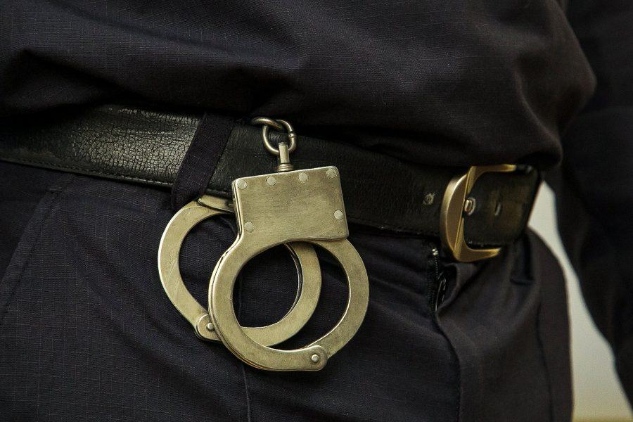 В Кемерове полиция поймала мужчину, совершавшего кражи на местном кладбище