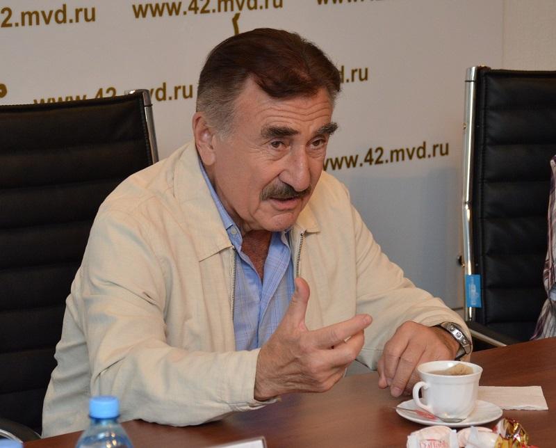 ВКузбасс насъёмки о гласных убийствах приехал актёр Леонид Каневский