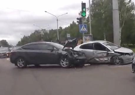 Врезультате дорожно-траспортного происшествия наЛенина вНовокузнецке пострадали 4 человека