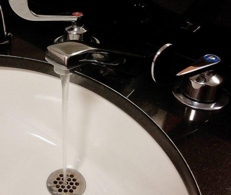 В трёх районах Кемерова подачу горячей воды начали досрочно