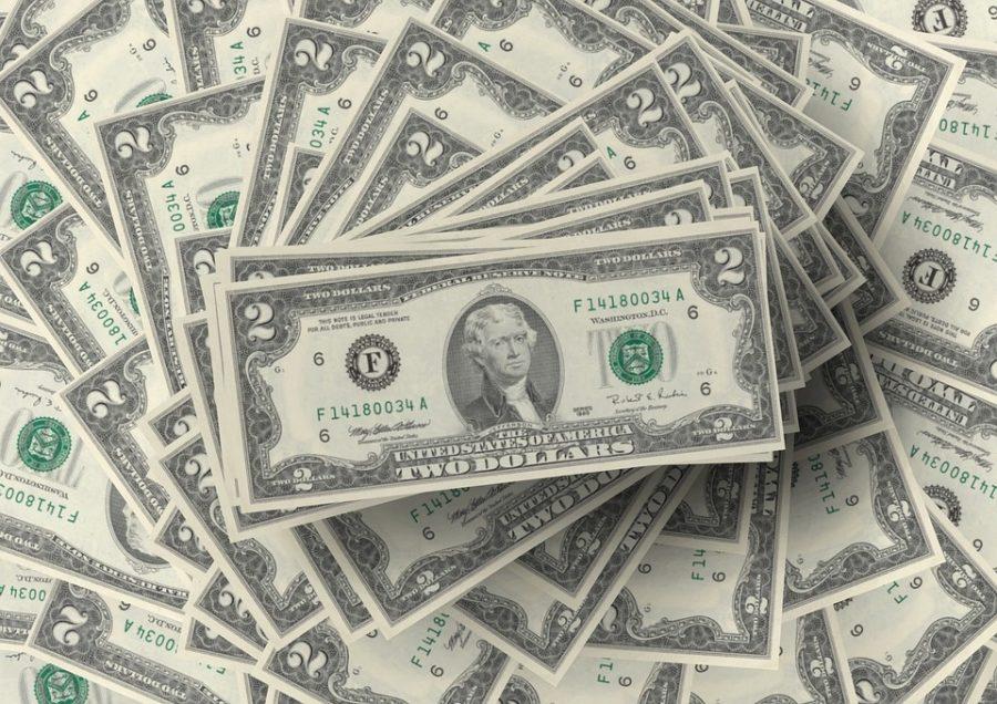 Стоимость своей жизни жители России всреднем оценивают в1,2 млн долларов