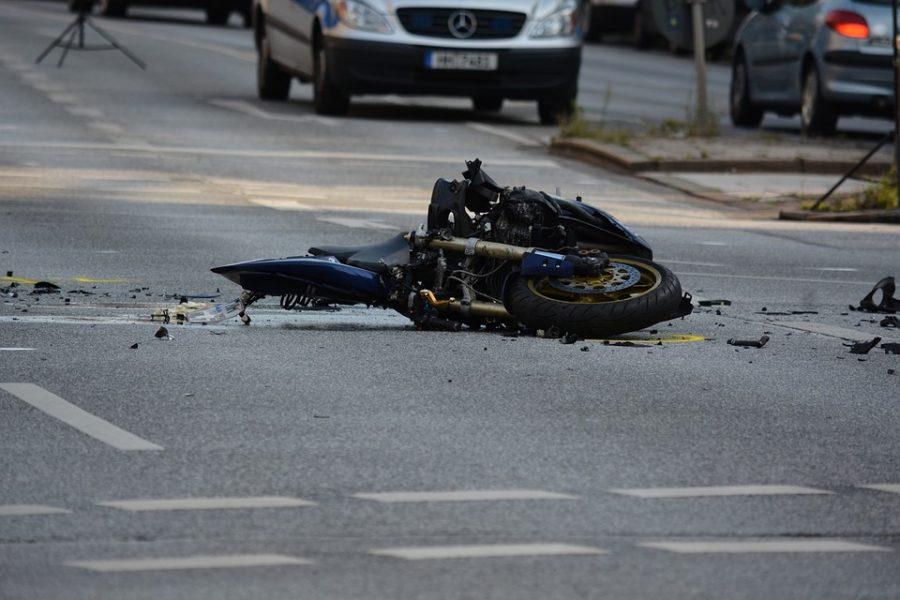 В кузбасском городе в ДТП погиб 28-летний мотоциклист