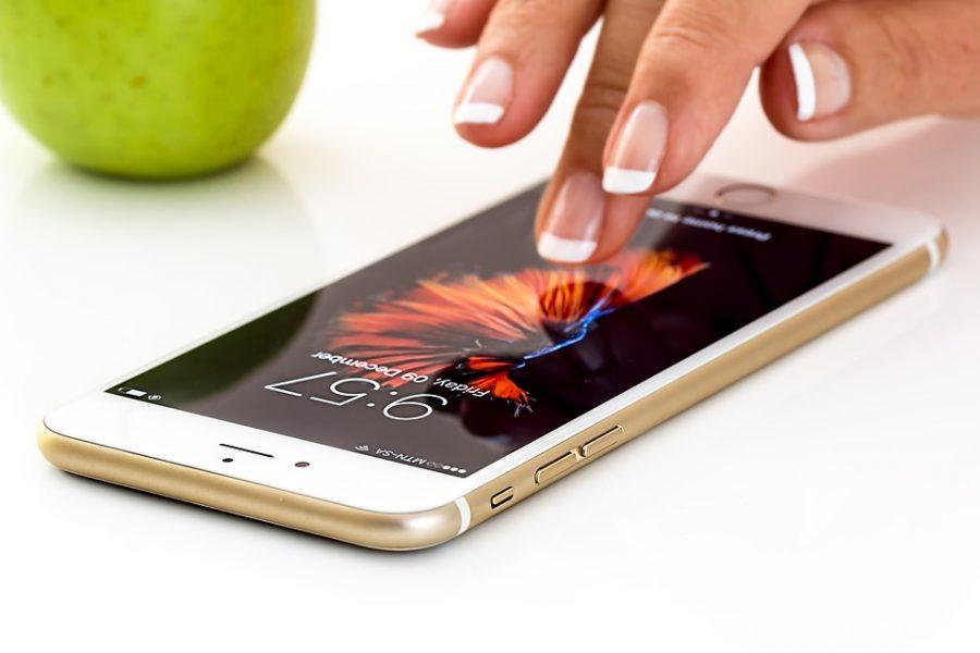 «Дочка» Apple будет ремонтировать iPhone в России