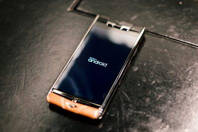 В МегаФон рассказали, какие модели телефонов Vertu популярны у кузбассовцев