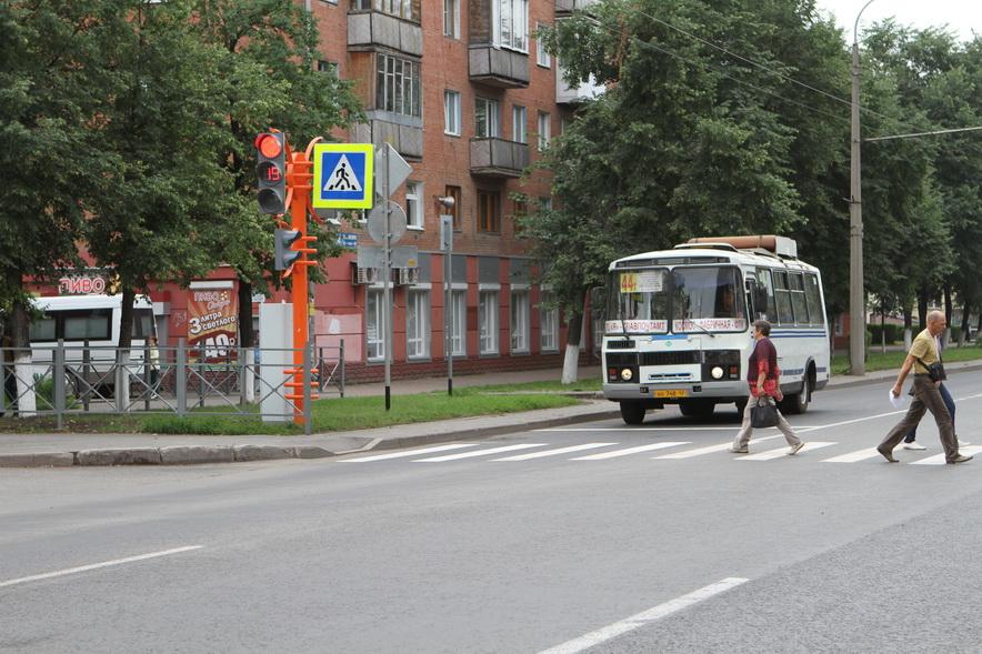 В Кемерове запустили светофор на пересечении 50 лет Октября и Томской
