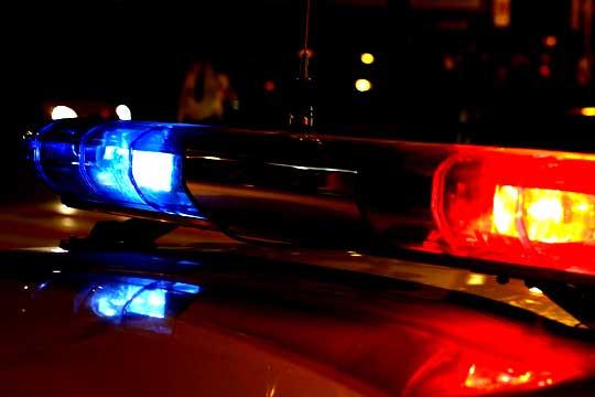 В Кемерове автомобиль Chevrolet врезался в дерево, погиб водитель
