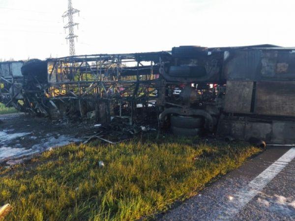 В Татарстане в ДТП с пассажирским автобусом и «КамАЗом» погибли 14 человек