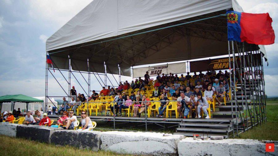 В Новокузнецке состоялись соревнования по дрэг-рейсингу «Кузнецкая жара»