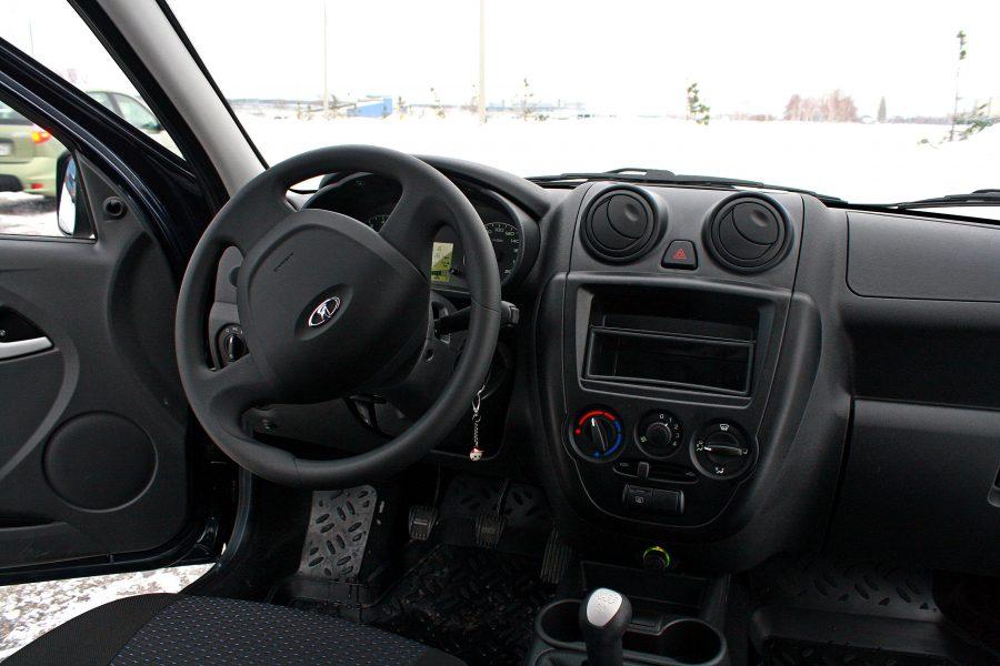 Кузбасские автомобилисты охотнее покупают авто марки Лада, чем Toyota