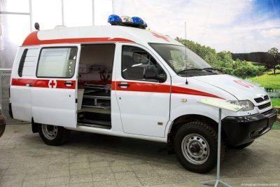 В Кемерове водитель легковушки травмировался при ДТП с микроавтобусом