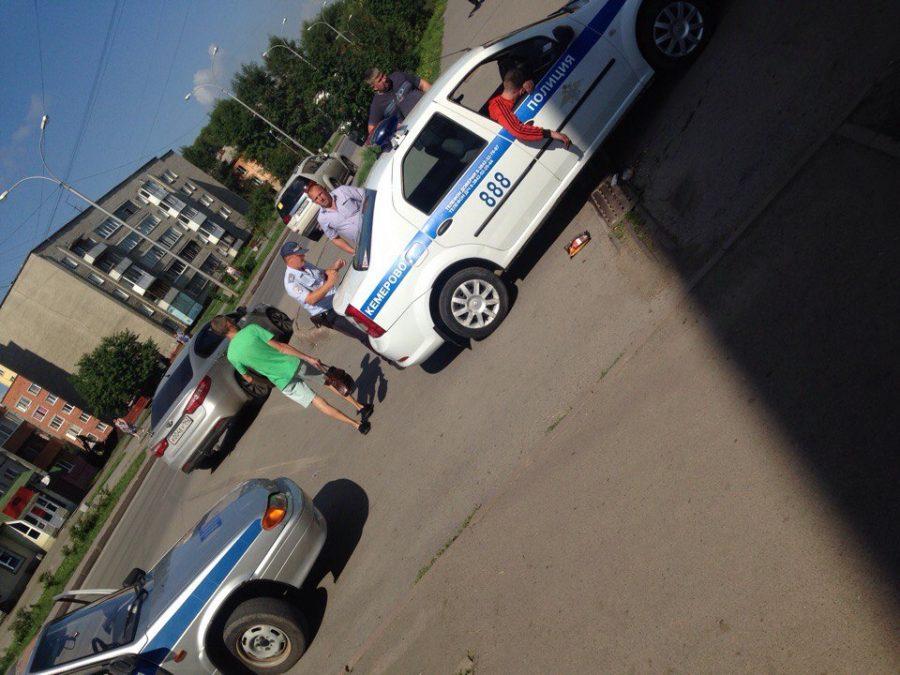 Сотрудники ГИБДД задержали пьяного кемеровчанина за рулём чужого авто такси