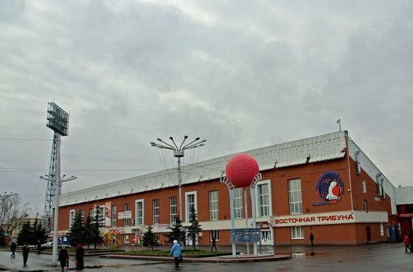 В Кемерове на день запретят парковку в районе стадиона «Химик»