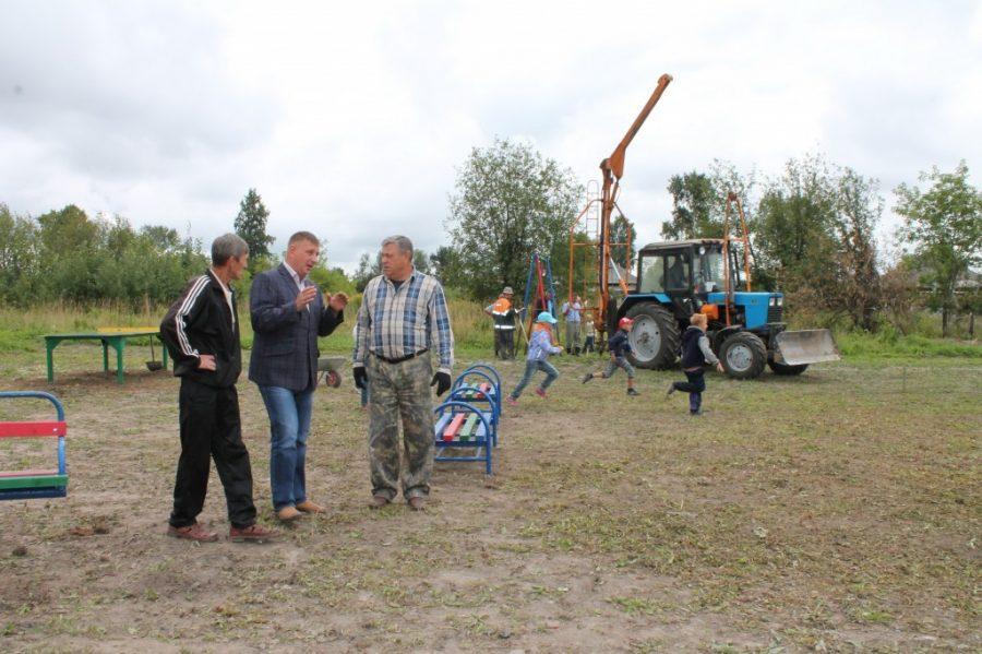 Ко Дню шахтёра в Берёзовском по «народной» программе построят четыре детские площадки
