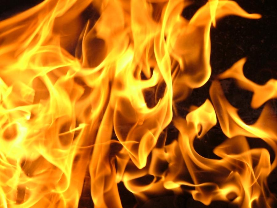 Возбуждено уголовное дело в отношении новокузнечанина, по вине которого горели пять авто