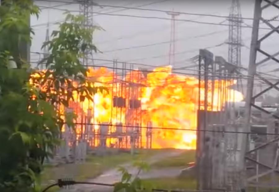 Взрыв натомской станции повыробатыванию электричества оставил без света 150 тыс. человек