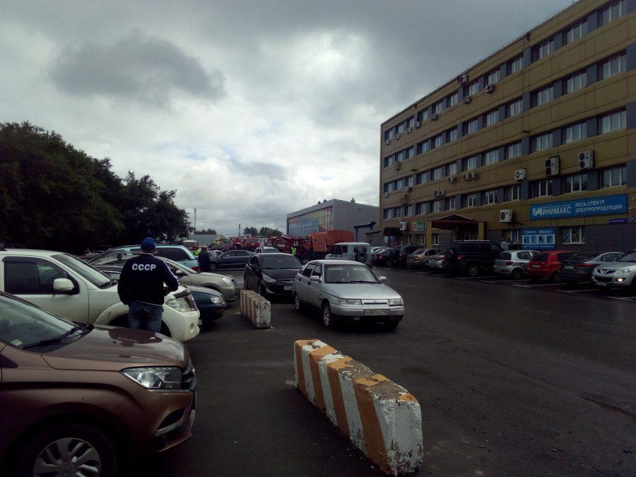 Пожар на кемеровском рынке «Дружба» тушили более 30 человек