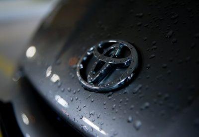 В компании Toyota предложили успокаивать молодых водителей скучной музыкой