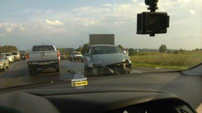 Пьяный водитель Toyota устроил массовое ДТП на выезде из Кемерова