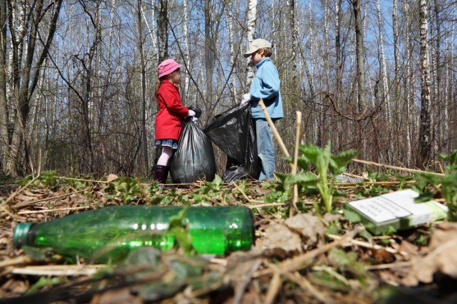 Кемеровчане убрали 70 тыс. кв. м. территорий и вывезли 240 кубометров мусора