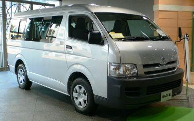 Микроавтобус Toyota Hiace обновят к концу года