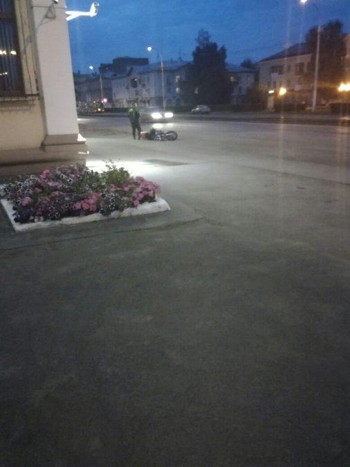 В Кемерове автоледи сбила мотоциклиста
