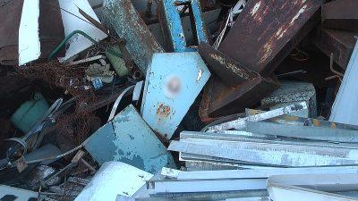 Полиция просит кемеровчан помочь в поиске подозреваемых, разорявших могилы на Южном