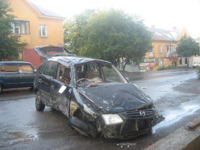 ГИБДД Кузбасса: водитель автомобиля, который сделал «сальто», скрылся с места ДТП