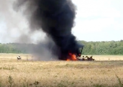 Рядом с кузбасским посёлком сгорел зерноуборочный комбайн
