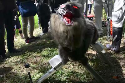 В Японии создали демонического робоволка для отпугивания диких животных