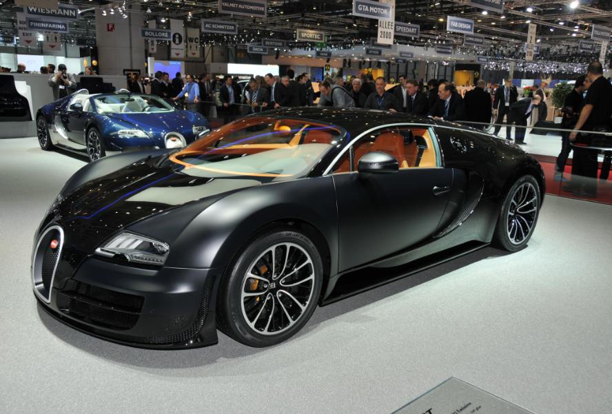 В России владельцу Bugatti начислили транспортный налог на 540 тысяч рублей