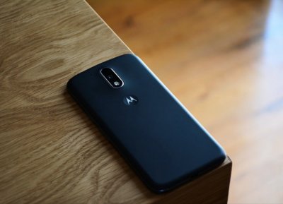 В Motorola изобрели самовосстанавливающееся стекло для смартфонов