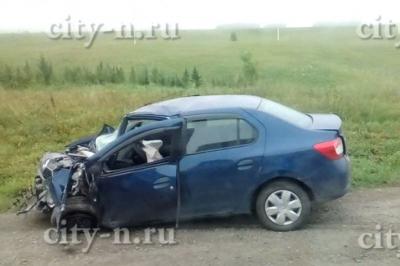 В Новокузнецком районе столкнулись Renault и пассажирский автобус, погиб один человек