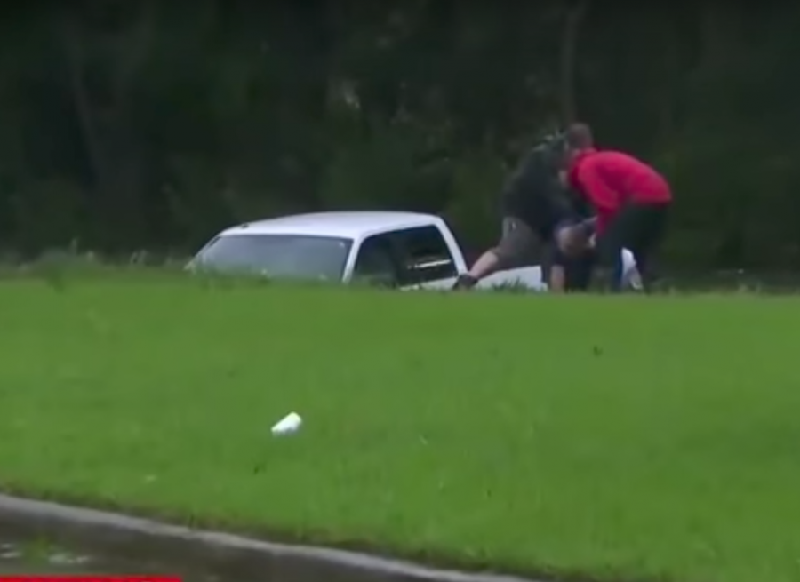 Впрямом эфире репортер спас мужчину отсмерти
