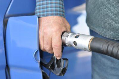 Бензиновым авто могут запретить въезд в российские мегаполисы и курорты