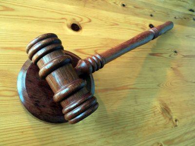 В Кузбассе осудили молодого депутата за езду в нетрезвом виде